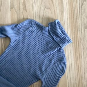 American Eagle • Ribbed Turtleneck